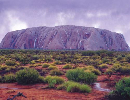 """Uluru: """"Sitz der Ahnen"""", heiliger Berg der Anangu, kein Monolith"""