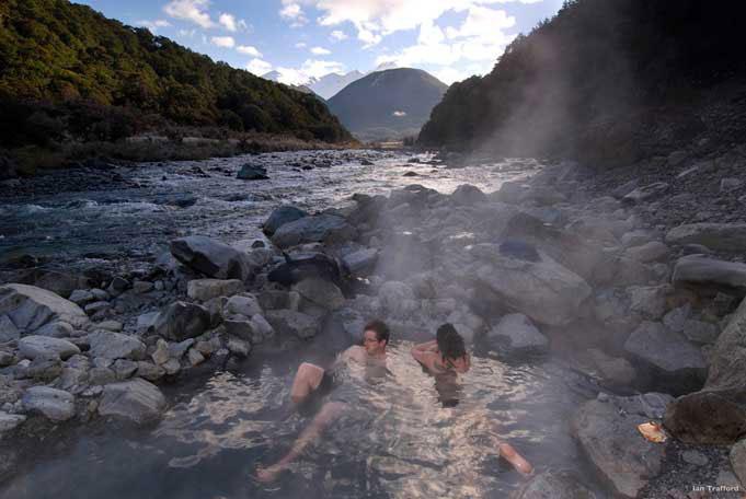 Maruia Hot Springs, heiße Pools genießen